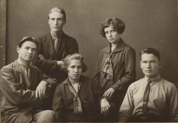 Один из первых выпусков нашего факультета. 1927 год!